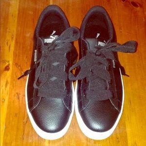 Puma black leather platform woman's sneaker
